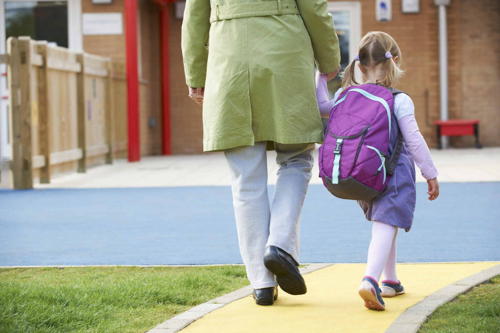 Photo credit: Cabeau, http://www.cabeau.com/blog/2013/07/30/keeping-your-kids-safe-as-they-go-back-to-school/